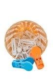 белизна clothespin предпосылки 3d изолированная изображением Стоковое Изображение RF