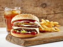 белизна dof бургера предпосылки свежая низкая вкусная Стоковое фото RF