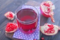 белизна pomegranate сока иллюстрации конструкции предпосылки Стоковые Изображения RF