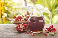 белизна pomegranate сока иллюстрации конструкции предпосылки Стоковое Фото