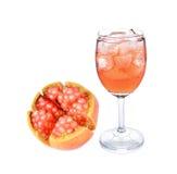 белизна pomegranate сока предпосылки стеклянная Стоковые Изображения