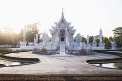 белизна wat Таиланда виска задачи rong rai khun красивейшего chiang привлекательностей искусства культурная чувствительная стоковое фото