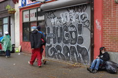 Бедность вдоль улицы Hastings в Ванкувере Стоковое Фото