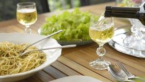 белое вино сток-видео