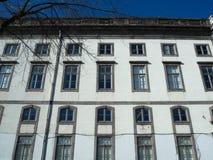 Белое здание в Порту, Португалии Стоковое Фото