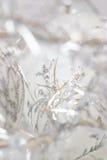 Белое и серебряное рождество стоковая фотография