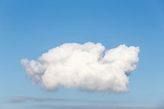 Белое облако в небе, кумулюс Стоковое Фото