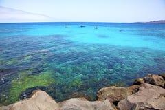 белое побережье Лансароте в корабле пляжа Испании Стоковое Изображение RF