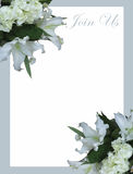 Белое приглашение свадьбы лилии горы Стоковые Фото