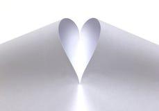Белое сердце созданное от бумаги Стоковое фото RF