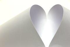 Белое сердце созданное от бумаги Стоковые Фотографии RF