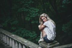 Женщина в природе Стоковое Изображение