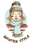 Белокурая женщина нося striped свитер, шарф и крышку. Рука-drawin иллюстрация вектора