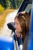 Белокурая женщина daydreaming Стоковые Изображения RF
