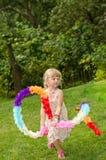 Белокурое танцы девушки Стоковые Изображения RF
