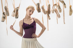 Белокурые ботинки балерины и pointe Стоковая Фотография
