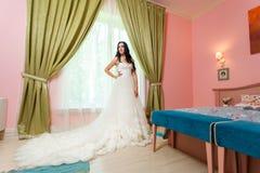 белокурые детеныши венчания платья Стоковые Фотографии RF