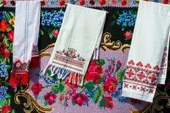 Белорусские полотенца с винтажным орнаментом стоковые изображения