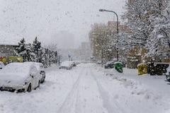 Бедствие снега в Братиславе Словакии, огромный снег шелушится 30-ое января 2015 Стоковое Фото