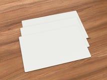 Белые визитные карточки на преграженном деревянном Стоковое Изображение
