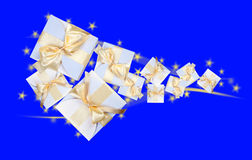 Белые коробки с смычком золота Стоковое Фото