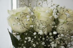Белые нежные розы в букете Стоковое фото RF