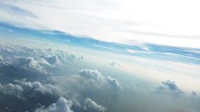 Белые облака и предпосылка голубого неба Стоковое фото RF