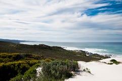Белые песчанные дюны в De Обруче Южной Африке Стоковые Фотографии RF