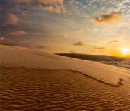 Белые песчанные дюны на восходе солнца, Ne Mui, Вьетнам Стоковые Изображения RF