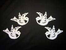 Белые птицы. Бумажное вырезывание. Стоковые Изображения RF