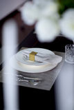 Белые плита и таблица вилки Стоковое Изображение RF
