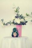 Белые розы в вазе Стоковое Фото