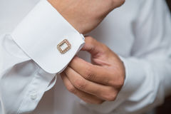 Белые рубашка и запонка для манжет Стоковое Изображение RF