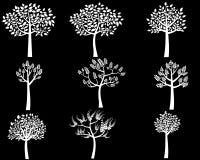 Белые силуэты дерева с листьями Иллюстрация штока