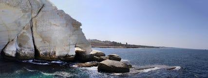 Белые скалы и грот Rosh Hanikra, Израиль Стоковая Фотография RF
