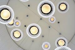 Белые стеклянные потолочные освещения стоковое фото rf