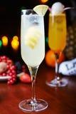 Белые тропические коктеиль или лимонад спирта с украшением Стоковая Фотография RF