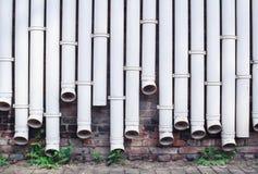 Белые трубы водопровода Иллюстрация штока