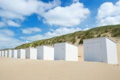 Белые хаты пляжа на Texel Стоковое Изображение RF