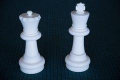 Белые части ферзя короля шахмат Стоковое Изображение RF