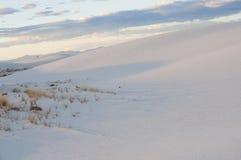 Белые дюны национального монумента песка на заходе солнца Стоковое фото RF
