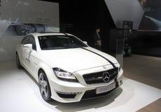 Белый автомобиль спорт amg cls 63 Мерседес-benz Стоковое фото RF