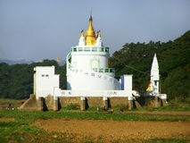Белый буддийский висок, Amarapura, Мьянма Стоковое Фото