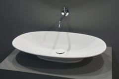 Белый верхний washbasin стоковые изображения rf