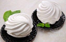 Белый десерт зефира с мятой Стоковая Фотография