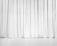 Белый занавес или задрапировывает предпосылку Стоковое фото RF