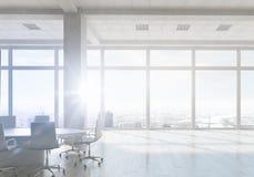 Белый интерьер офиса Мультимедиа стоковые фотографии rf