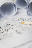 Белый карандаш на архитектурноакустическом для чертежей конструкции Стоковые Фотографии RF
