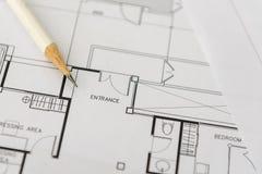 Белый карандаш на архитектурноакустическом для чертежей конструкции Стоковые Изображения