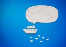 Белый корабль с речью пузыря Стоковое фото RF